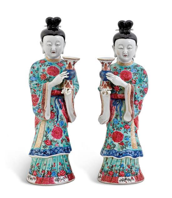 A pair of 'famille-rose' figures of maidens, 19th/20th century (2)