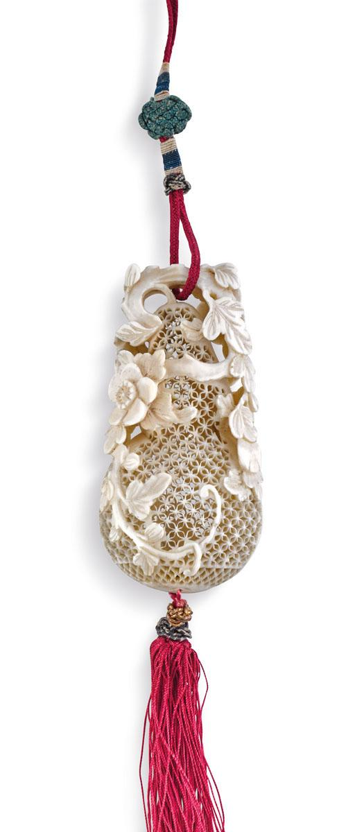 An ivory 'double-gourd' pomander Qing dynasty, 19th century