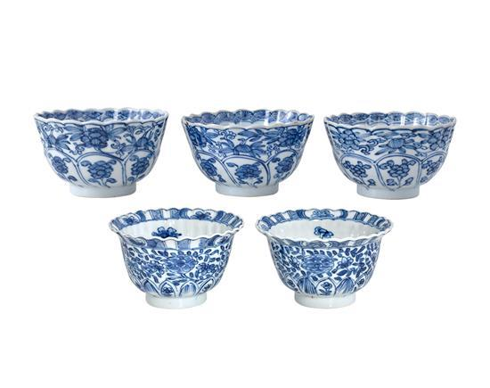 Five blue and white cups and saucers Qing dynasty, Kangxi period (10)