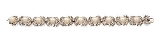18ct white gold, pearl and diamond bracelet