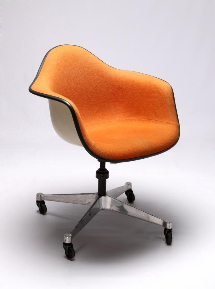 EAMES PADDED ROLLING OFFICE CHAIR FOR HERMAN MILLER