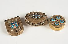 THREE SMALL JEWELED & FILIGREE GOLDTONE COMPACTS