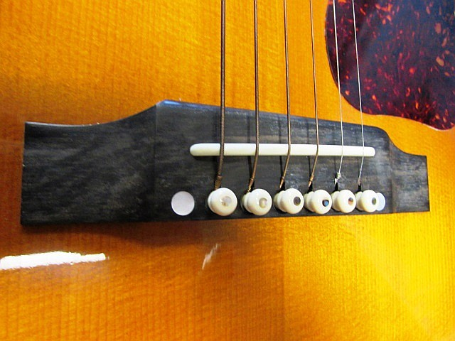 gibson j 45 serial number dating Does anyone have a gift for decoding serial numbers on gibson guitars i have a gibson es 335 larry carlton model the serial number is cs 253316.