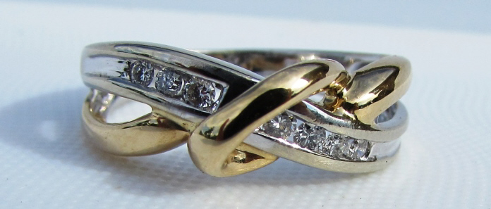 .25CT DIAMOND RING 14k GOLD CROSSOVER BAND 3.8 g