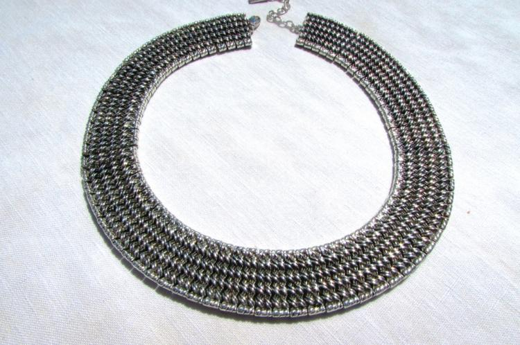 NAPIER SILVER TONE COLLAR NECKLACE SIGNED