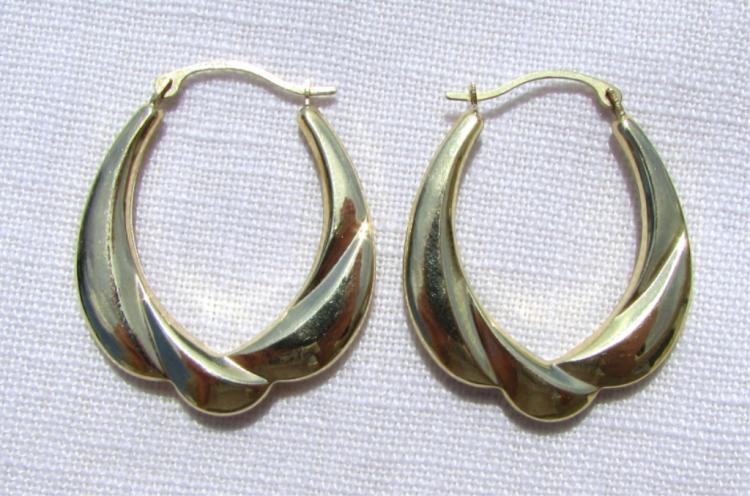 GENUINE 10K YELLOW GOLD EARRINGS FANCY PIERCED