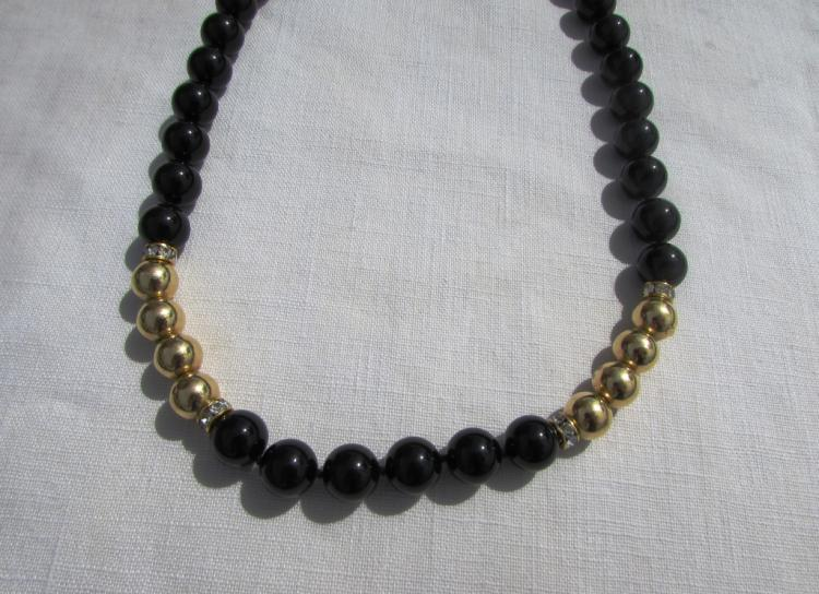 ONYX 14k GOLD BEAD NECKLACE