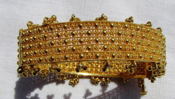 22k GOLD TASSLE BRACELET BANGLE 41 GRAMS