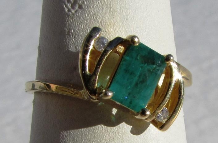 .75 CT EMERALD DIAMOND 14k GOLD RING