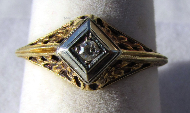 14k GOLD RING DIAMOND ANTIQUE .03 CT