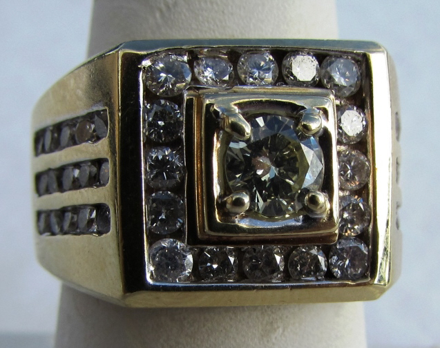 1.60CT DIAMOND 14k GOLD MAN'S RING 17.6GRAM