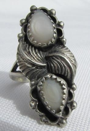 STERLING SILVER MOP RING SIGNED EDE NATIVE AMERICA