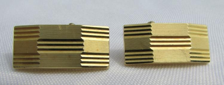 18K GOLD CUFFLINKS SIGNED