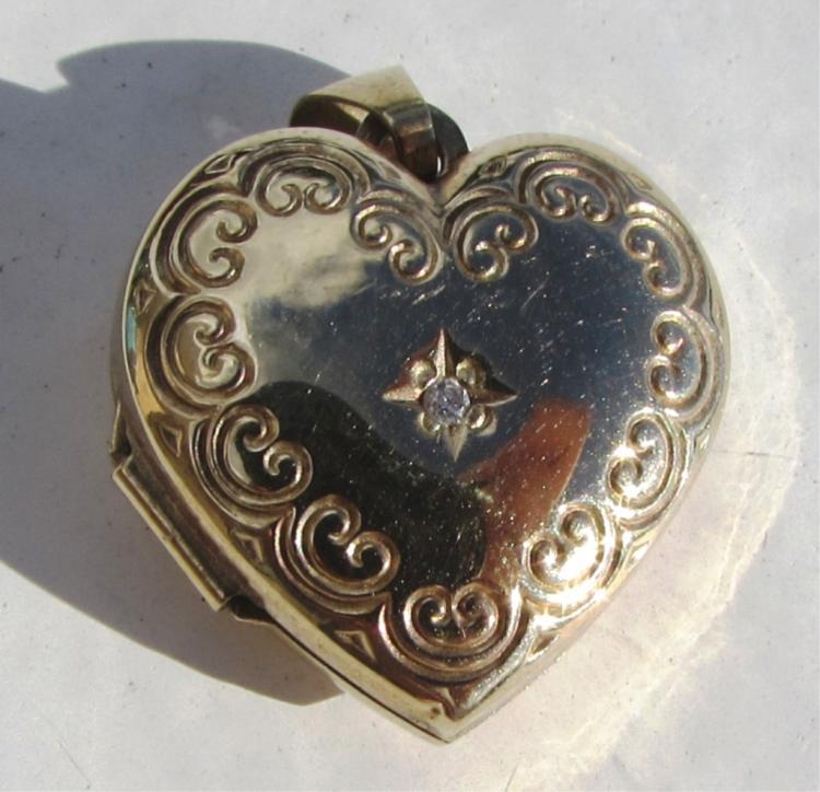 DIAMOND 9k GOLD HEARD PENDANT LOCKET NECKLACE