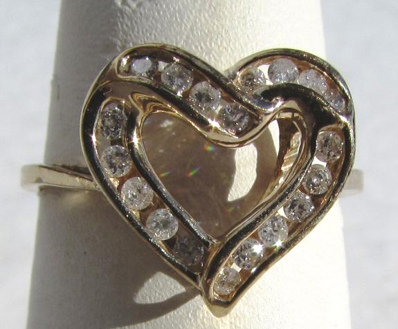 .35 CT DIAMOND 10k GOLD HEART RING SIZE 7 2.2 g