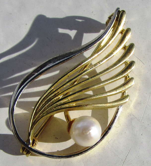 PEARL 8k GOLD PIN K&L SIGNED BROOCH .333 2.8 g