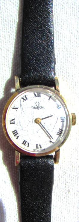 OMEGA 14k GOLD WATCH LADIES QUARTZ