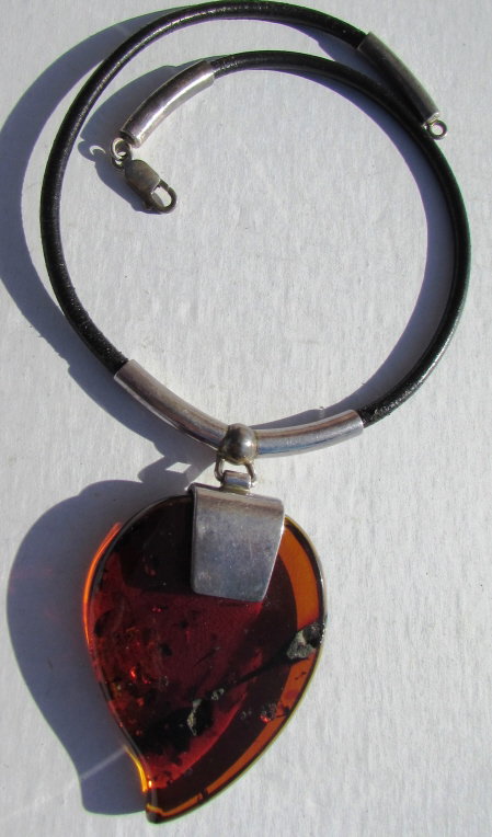 AMBER STERLING SILVER LEATHER NECKLACE