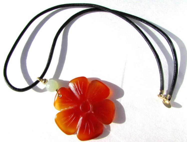 14K GOLD JADE CARNELIAN FLOWER NECKLACE LEATHER
