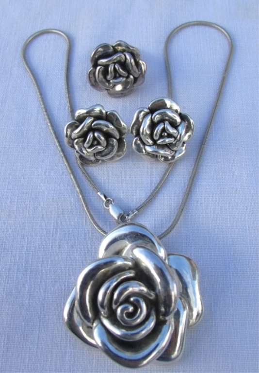 STERLING SILVER ROSE RING NECKLACE & EARRING SET