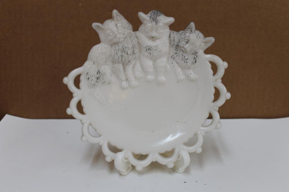 Milk Glass Cat Plate
