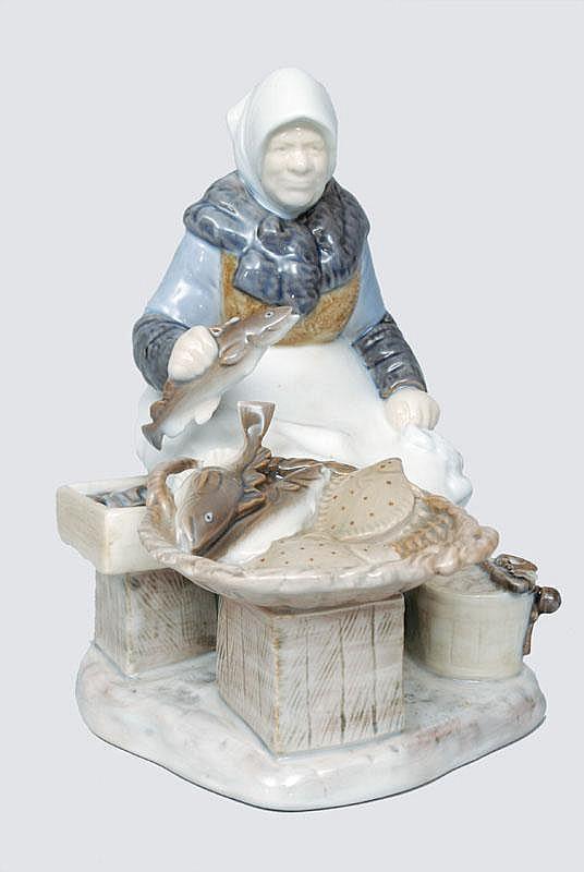 Locher Axel  Date of Birth 1897 Date of Death 1941, Figurine 'Fisherwoman on market'