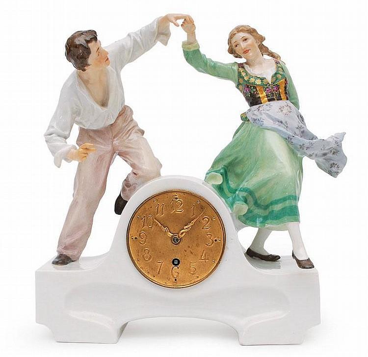 Helmig, Paul Nierdermeisa 1859 - Meissen 1939  An Art Nouveau pendule of a dancing couple