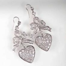 A pair of fine diamond earpendants