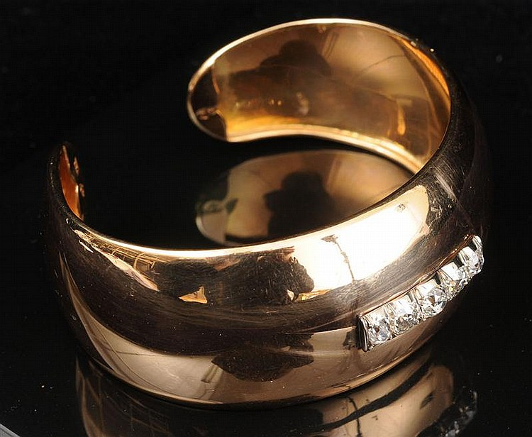18K GOLD AND DIAMOND WIDE CUFF BRACELET
