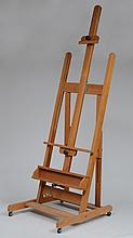 STAINED OAK ARTIST'S DISPLAY EASEL