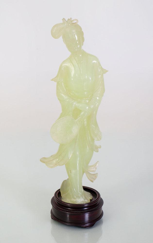 CHINESE HARDSTONE FIGURE OF A BEAUTY WITH FAN