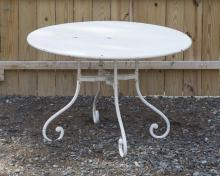 PAINTED METAL GARDEN CENTER TABLE