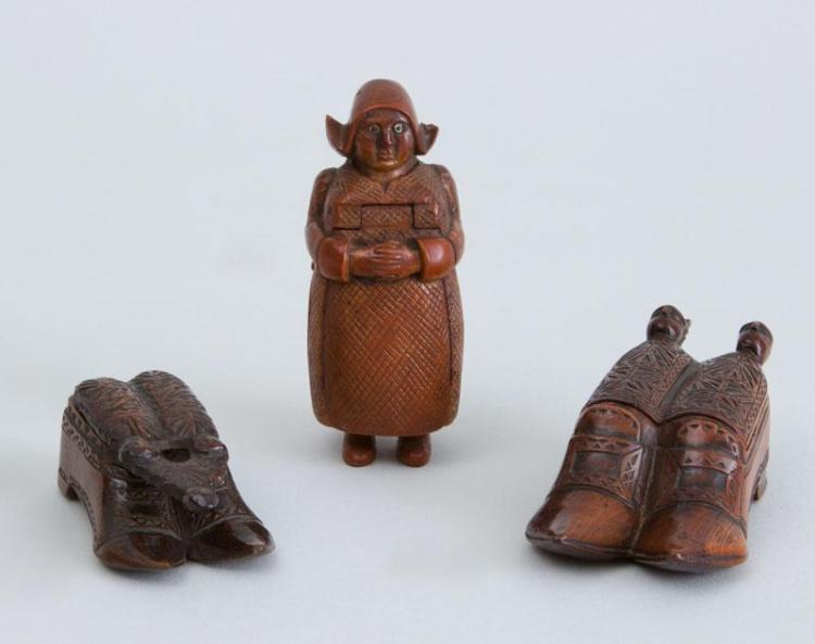 THREE CONTINENTAL CARVED WOOD FIGURAL SNUFF BOXES