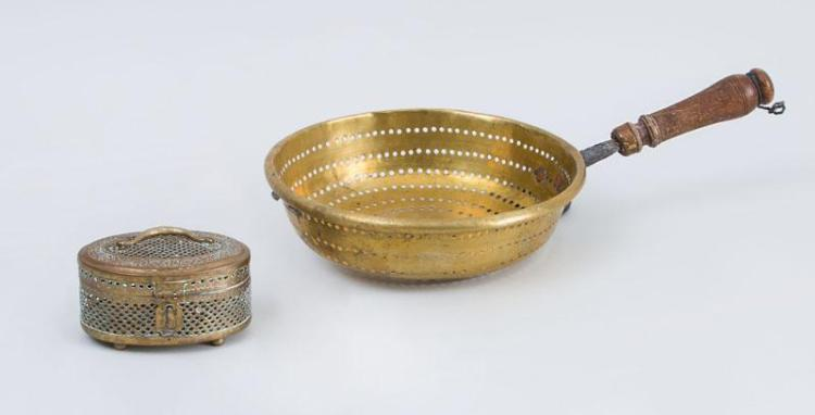 DUTCH WOOD-HANDLED BRASS STRAINER