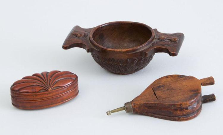 THREE EUROPEAN SMALL CARVED WOOD ARTICLES