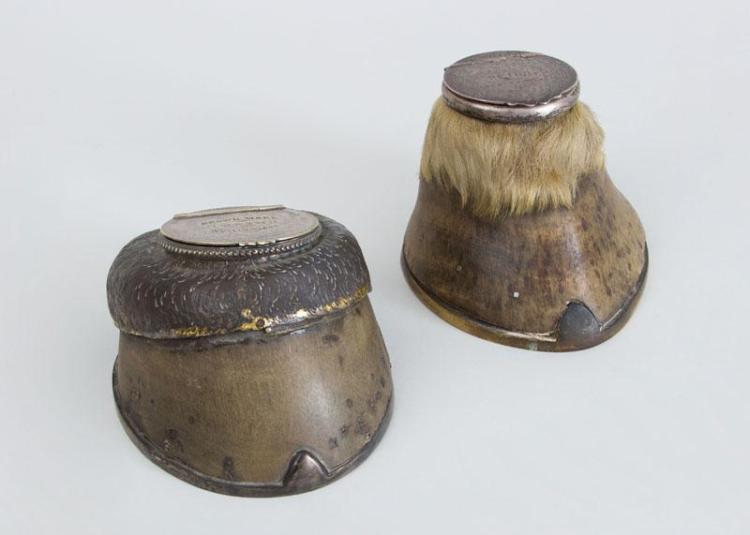 TWO LATE VICTORIAN SILVER-PLATE MOUNTED HORSE-HOOF INKWELLS