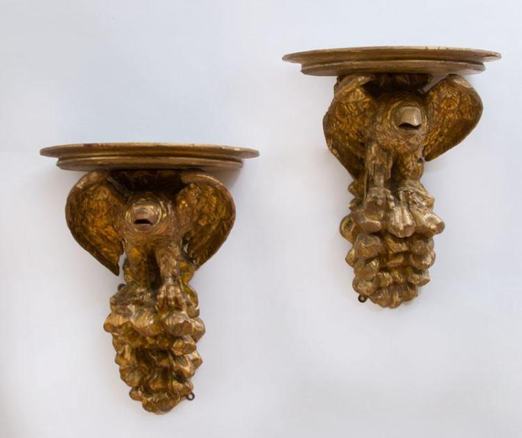 PAIR OF FEDERAL STYLE CARVED GILTWOOD EAGLE-FORM WALL BRACKETS