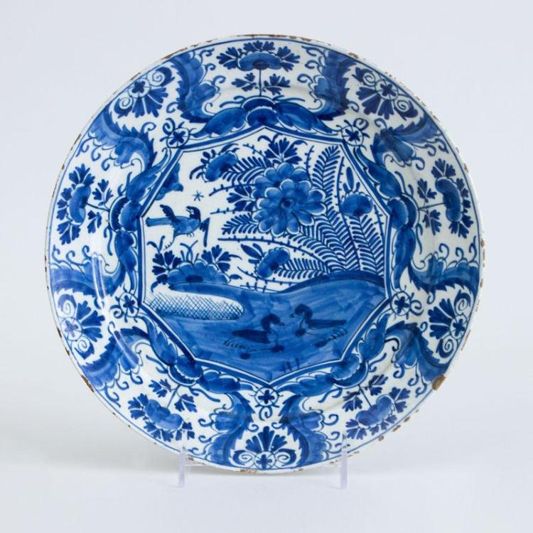 DUTCH DELFT BLUE AND WHITE PLATE