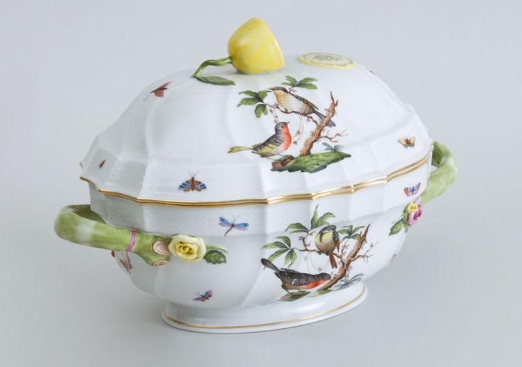 HEREND PORCELAIN TUREEN AND COVER, IN THE