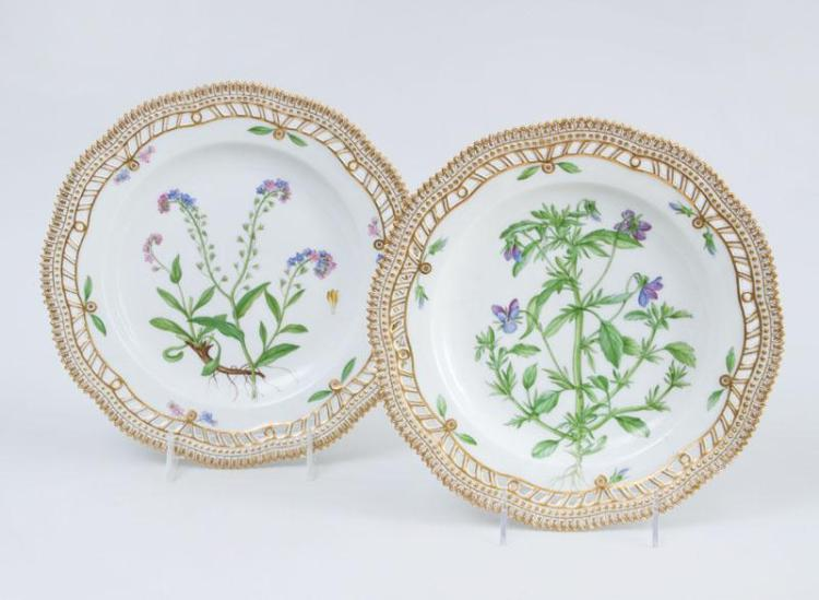 PAIR OF ROYAL COPENHAGEN PORCELAIN RETICULATED PLATES, IN THE FLORA DANICA PATTERN