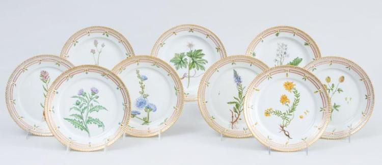 SET OF NINE ROYAL COPENHAGEN PORCELAIN LUNCH PLATES, IN THE FLORA DANICA PATTERN