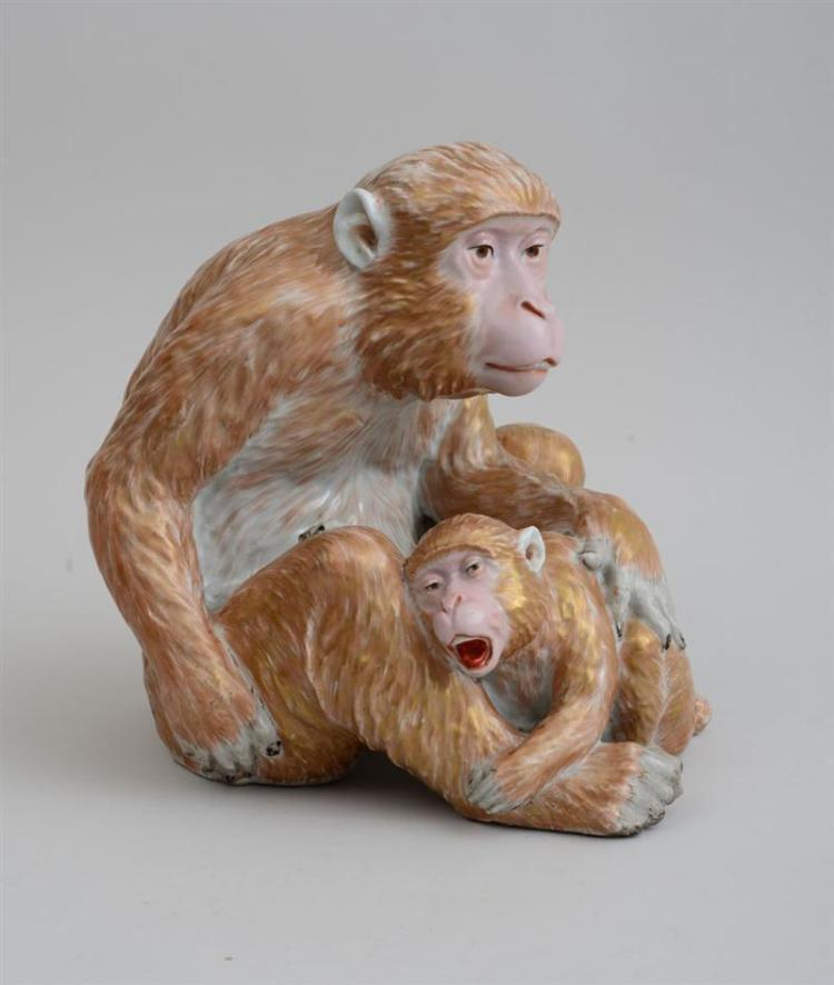 JAPANESE GLAZED POTTERY FIGURE GROUP OF A MOTHER CHIMPANZEE AND PUP