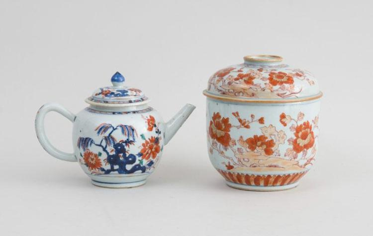 TWO CHINESE EXPORT PORCELAIN IMARI ARTICLES