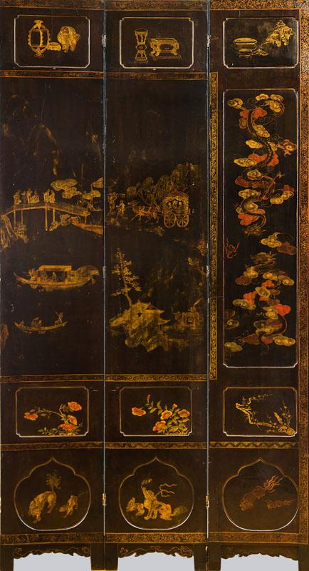 CHINESE BLACK LACQUER AND PARCEL-GILT TWELVE PANEL SCREEN