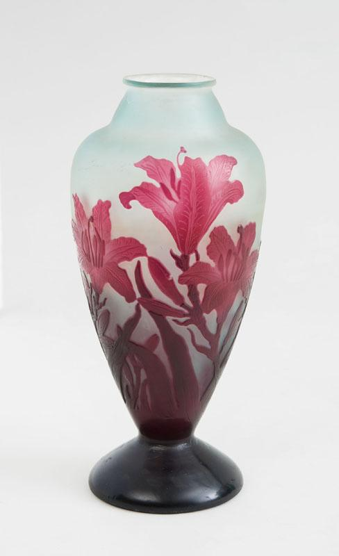 GALLÉ CAMEO GLASS VASE