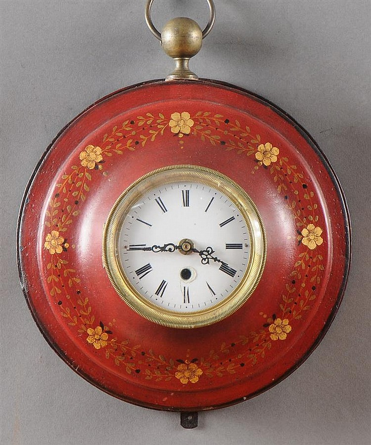 Directoire Style Rose-Ground Tôle Peinte Watch-Form Wall Clock