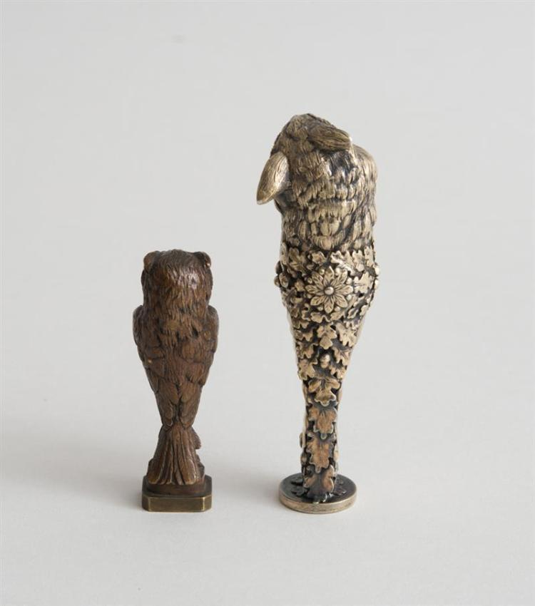 CONTINENTAL SILVER-GILT OWL-FORM SEAL AND A BRONZE SEAL
