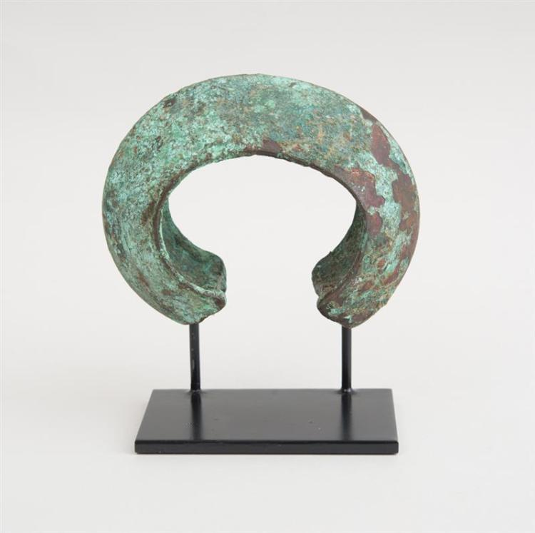 AFRICAN BRONZE CRESCENT-FORM CURRENCY PIECE