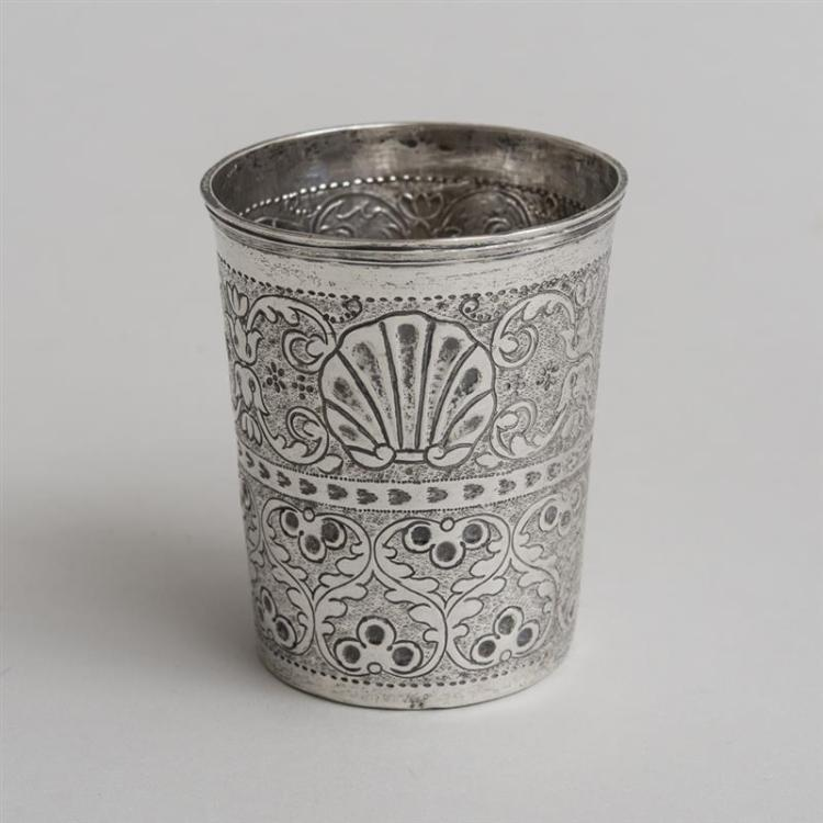 RUSSIAN ENGRAVED SILVER WINE TUMBLER