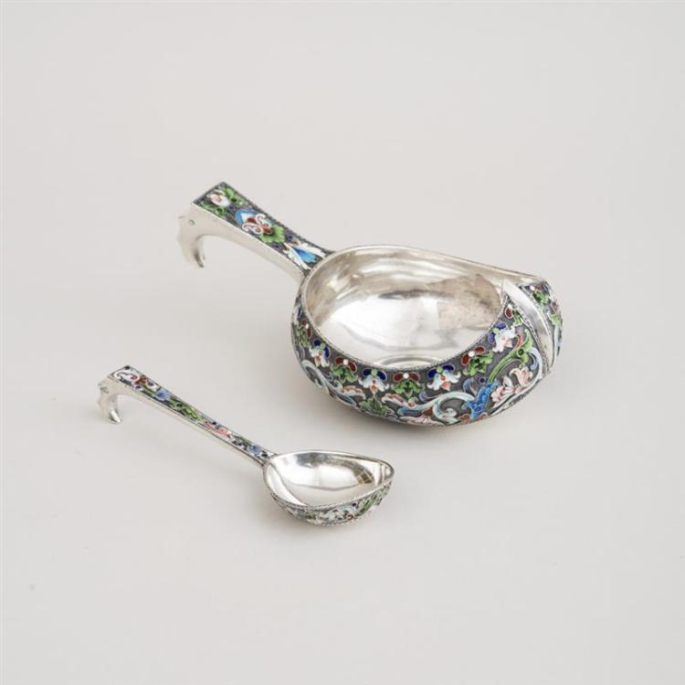 SMALL RUSSIAN CHAMPLEVÉ ENAMEL-MOUNTED KOVSH AND SPOON